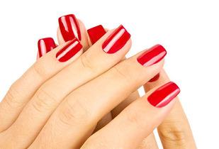 66% Manicure + Esmaltado Permanente a $5.990 en Providencia