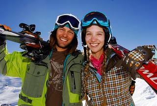 Arriendo de equipos para la nieve. Elige: Ski o Snowboard