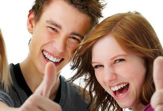 88% Blanqueamiento LED y limpieza dental, Providencia.