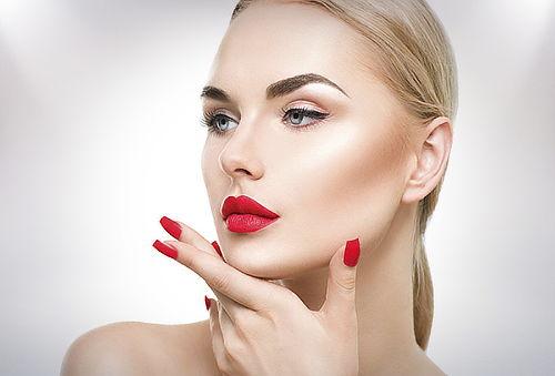 73% Maquillaje de Lujo + Spa de Manos y Manicure, Prov.