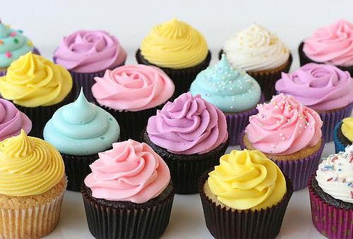 45% 12 Mini Cupcakes y 12 Mini Donuts