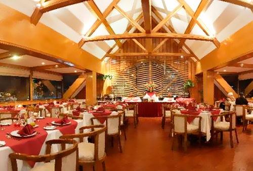 2 Noches Alojamiento en Hotel Finis Terrae de Punta Arenas.
