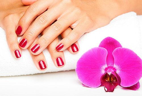 Masaje Hidratante Capilar + Brushing + Manicure completa