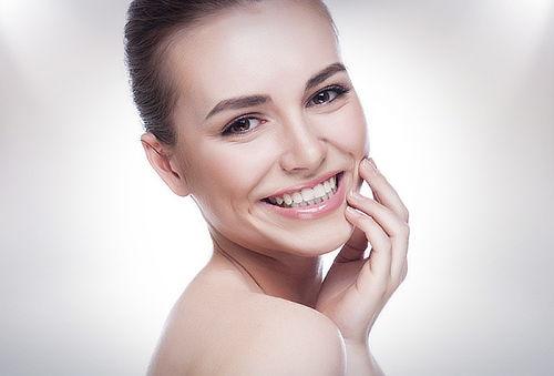 60% Manicure Permanente Completa + Hidratación Facial!