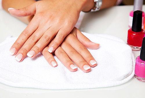 Manicure + spa + esmaltado con productos OPI, Providencia.