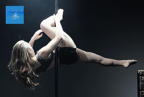 50% 4 Clases de Pole Dance Santiago Centro
