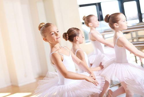 4, 8 u 12 Clases de Baile diferentes Estilos. Lo Barnechea