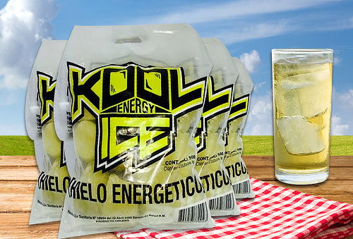 2 kilos de Hielo con Energética marca Kool Ice