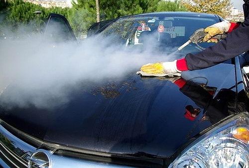 Lavado de auto a vapor en Cardoc, Av. Ossa