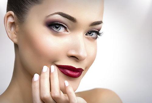 60% Manicure y pedicure + ondulación/tinte pestañas Siluetas