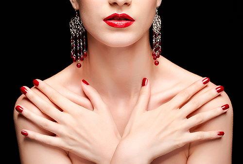 Depilacion con cera cejas, bozo, axilas + Manicure express