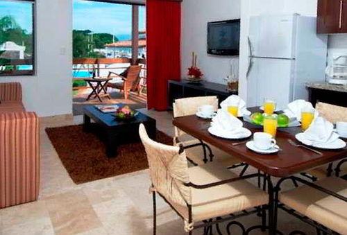 7 Noches para 4 Personas + Desayuno y mas en Puerto Vallarta