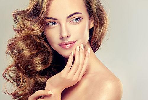 65% Balayage + brushing con opción a manicure, Stgo