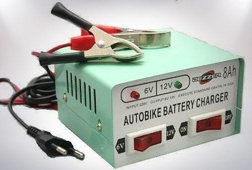 Cargador de Batería para Autos o Motos.