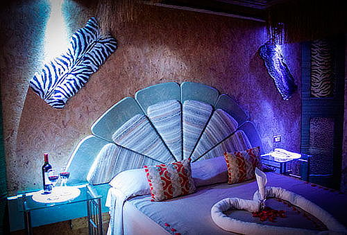 4 Horas de Fantasías + Tragos + Snack Motel Blue.