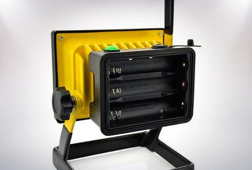 Foco LED Recargable de 30 W con Variadas Luces de Emergencia