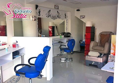 Manicure pedicure silla masajeadora for Sillas para maquillar