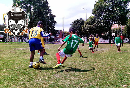 Mensualidad en Escuela de Fútbol para Niños de 2 a 18 Años