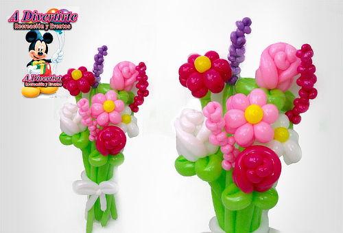 Ramo de Flores en Globos + Fresas Achocolatadas + Domicilio