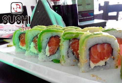Bandeja de Sushi + 4 Limonadas