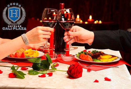 Noche Romántica + Cena en Cali Plaza