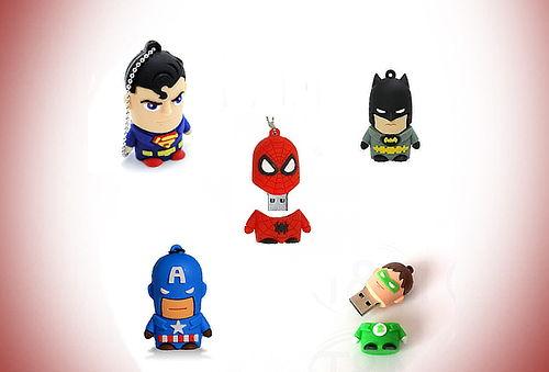 USB 8GB ¡Superhéroes para los Súper Pequeños!