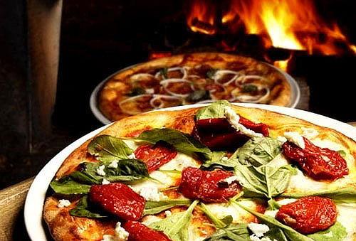 Pizzas a la Leña y Pasta para 2 o 4 al 50%