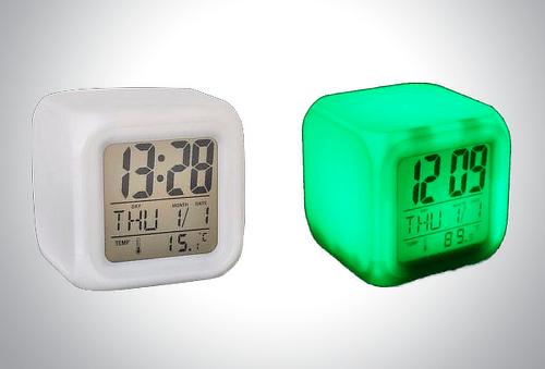 Reloj Despertador Digital Led 7 Colores Intermitentes