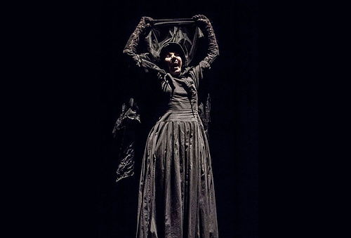PREVENTA: La Dama de Negro ¡Aterrorízate! 59%