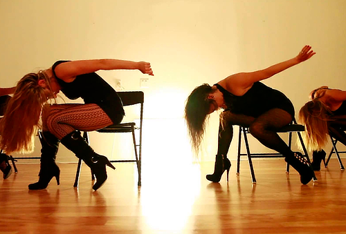 8 o 12 clases de Pole Dance, Twerk, Contorsión y más...
