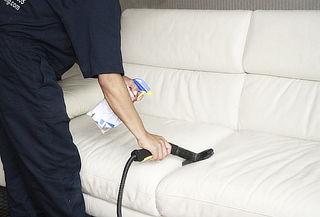 Lavado y Desinfección de Muebles