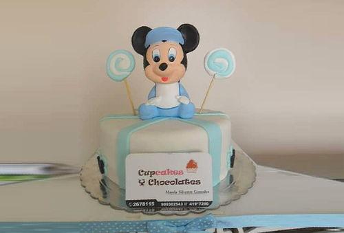 ¡Deliciosa! Torta Personalizada con Masa Elástica + Cupcakes