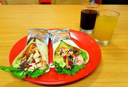 ¡Combos Para DOS! Tacos, Burritos o Hamburguesas + Refrescos