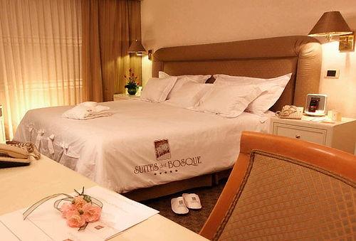 Noche Romántica para 2 - Suites del Bosque Hotel