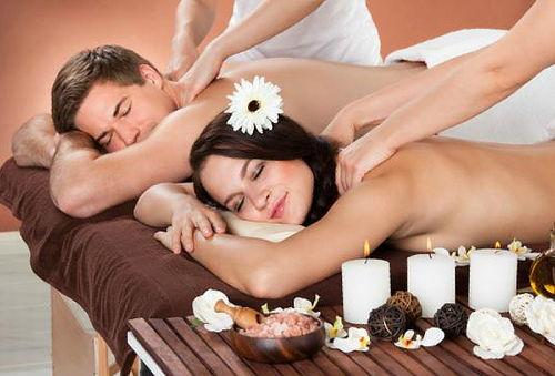 Masajes para 1 o Plan Romantico para 2 con Velas y Espumante
