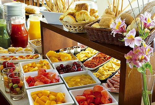 Desayuno Buffet en Restaurante Killari - Hotel Luxury Inkari