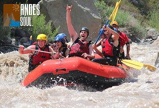 Aventura en Rafting en el río Maipo en pareja