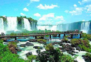 Todo el Año en Cataratas de Iguazú: Aéreo, Hotel y Más