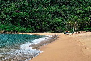Vacaciones de invierno en Ilha Grande y Rio, vía Gol y hotel