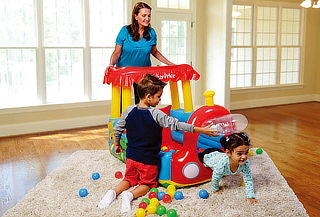 Tren inflable Ball PiT Fisher Price