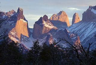 Patagonia en Verano: Aéreo, 3 Noches, Desayuno y Excursiones