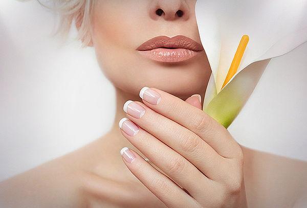 Manicure y Pedicure + Esmaltado Permanente 1 tono o francés