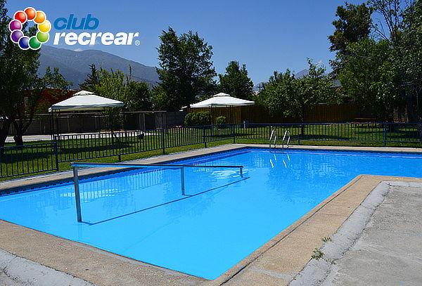 Entrada a piscina de lunes a domingo club recrear for Entrada piscina