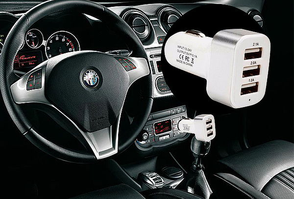 Cargador USB Triple para Autos