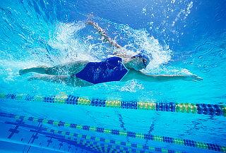 4 o 6 Clases de Natación Indoor en Piscina Climatizada