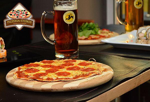 Pizzeria-Stosos: Festín a la Romana para 2 Personas