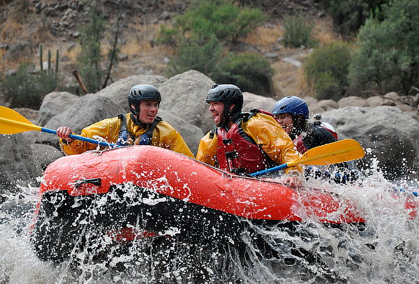 Aventura en Rafting + Zona de Asado, Cajón del Maipo