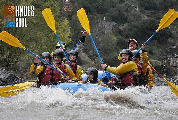Aventura en Rafting en Río Maipo para 4, 6 u 8 Personas