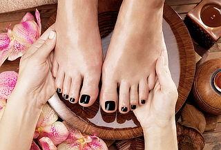 Manicure y Pedicure Permanente Cristales en Spa Renuevate