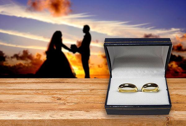 Argollas Matrimonio Modelo Inglés en Oro de 18K o Plata
